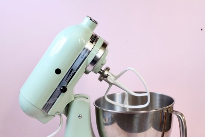 10 ESSENTIAL BAKING TOOLS FOR THE HOME BAKER