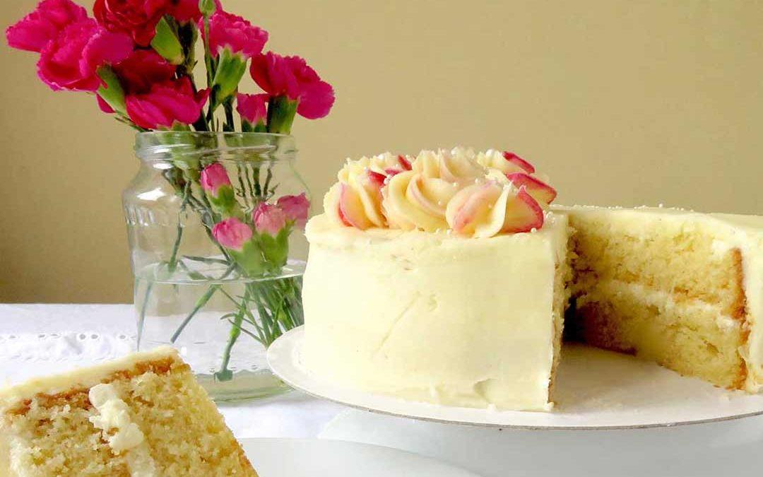 A CLASSIC VANILLA CAKE