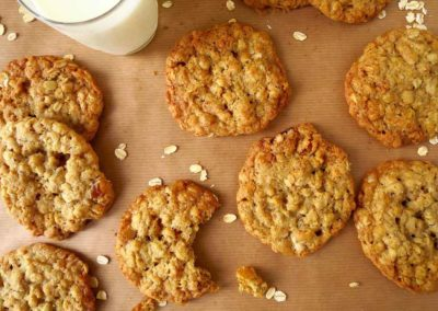 MY FAVOURITE OATMEAL COOKIES