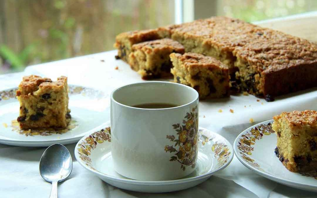 ONE BOWL GOLDEN SULTANA CAKE