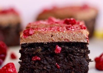 EASY VEGAN CHOCOLATE BERRY BROWNIES